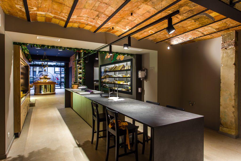 Quesarium, interior architecture for businesses